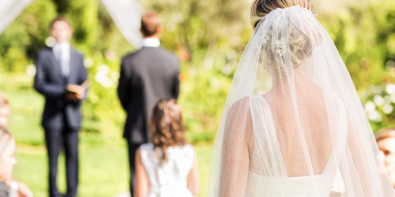As 5 melhores frases para plaquinhas de casamento
