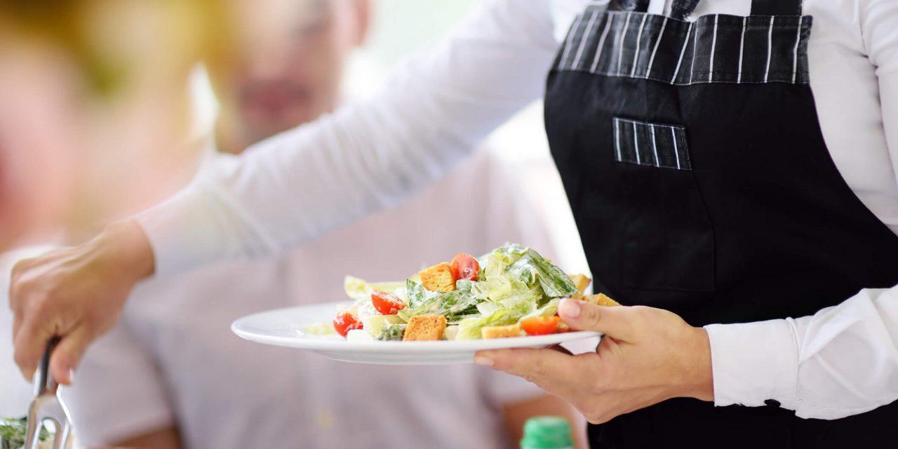 4 benefícios de contratar assessoria de casamento com o serviço de buffet
