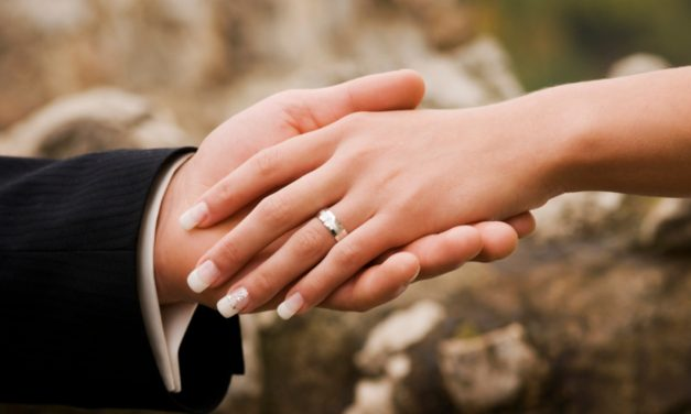 Conheça as maiores tendências e estilos de unhas de noiva