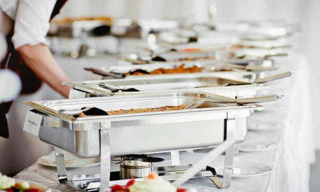 Descubra agora quais comidas não devem ser servidas no casamento