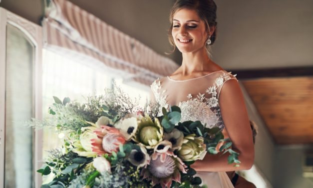 Conheça o buquê cascata para noivas e como usá-lo